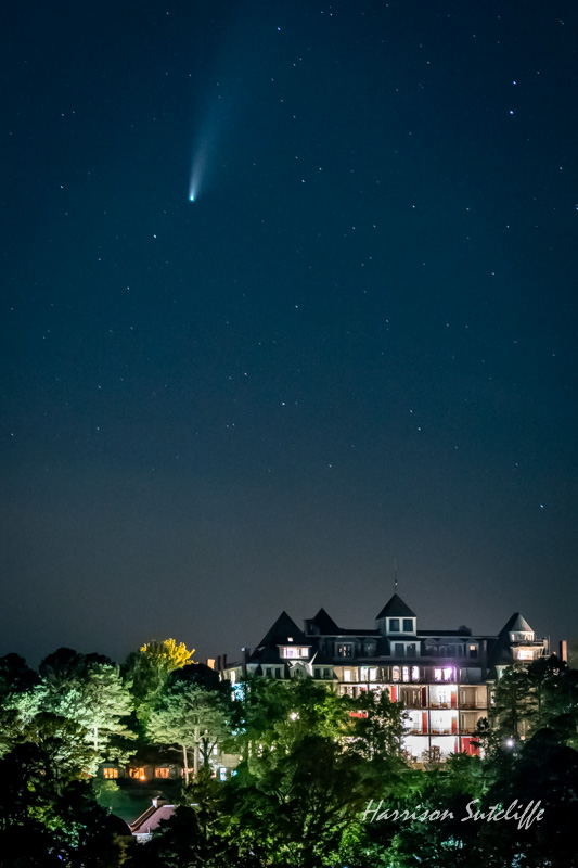 Comet Neo-wise over the Crescent Hotel